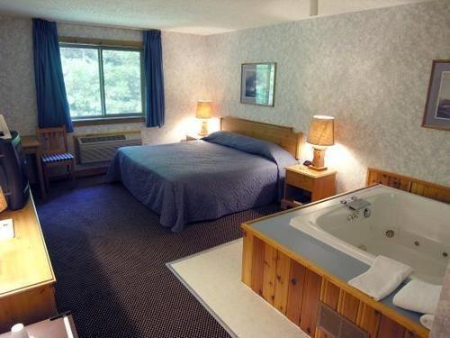 The Pinewood Lodge, Arenac