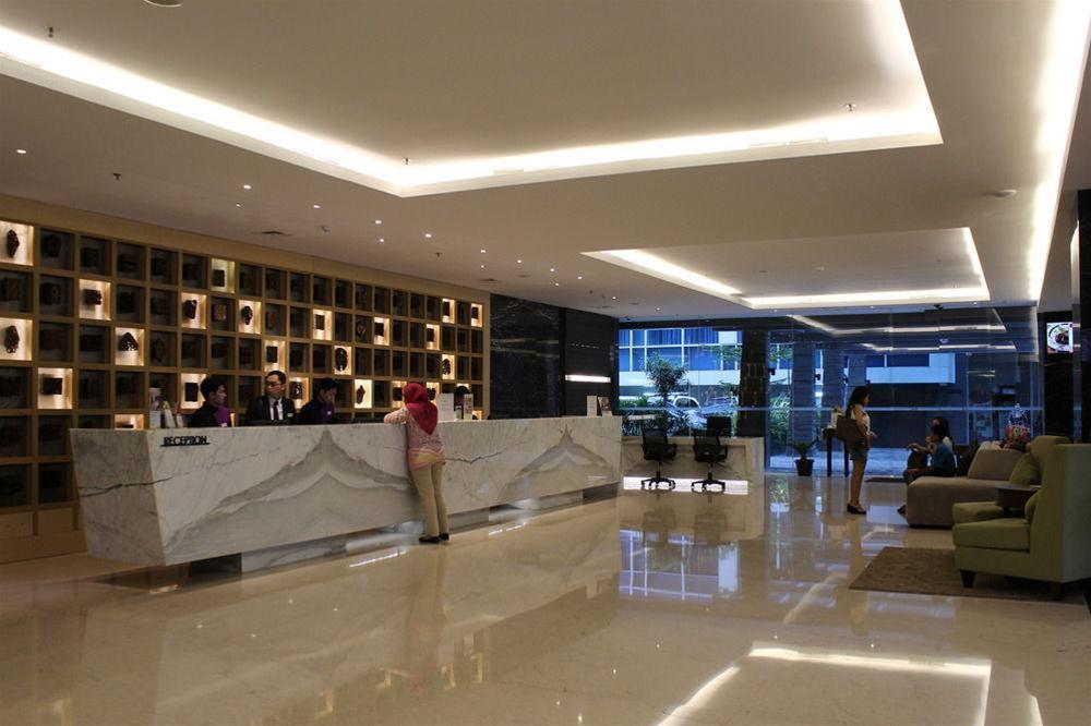 H Clarity Cihampelas Bandung, Bandung