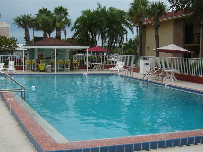 Clarion Inn & Suites Across From Universal Orlando Resort, Orange