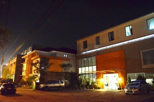 Hotel Dgria, Serang