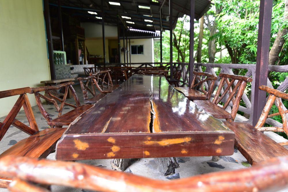 Pech Jet Sao Noi Resort, Muak Lek