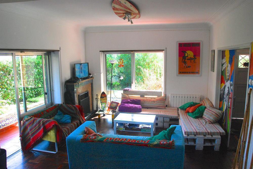 Carcavelos Surf Hostel, Cascais
