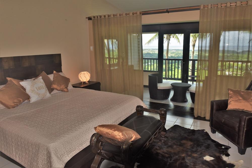Rainforest & Ocean View inn at Hacienda Carabali,