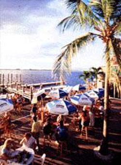 Holiday Inn Riverwalk,