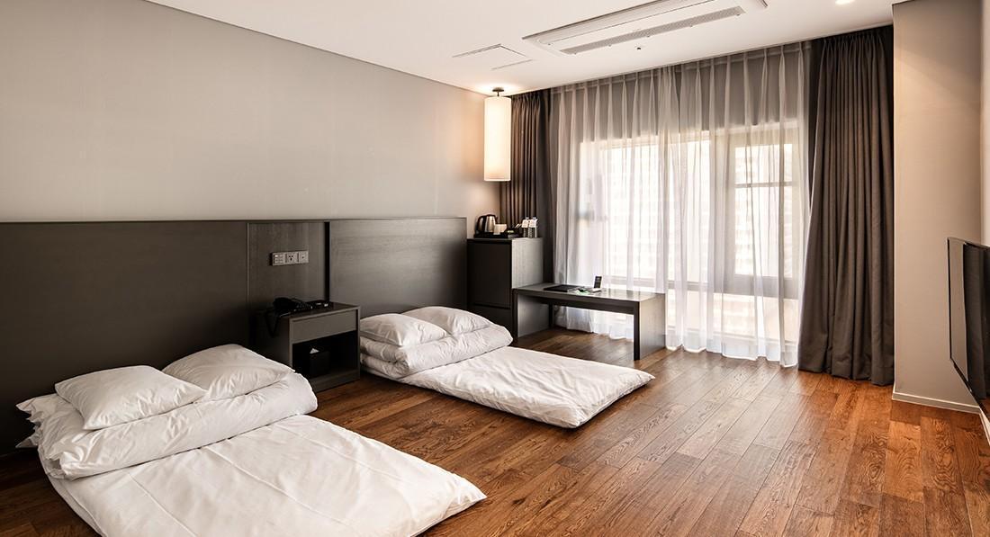 WesternLife Hotel, Iksan