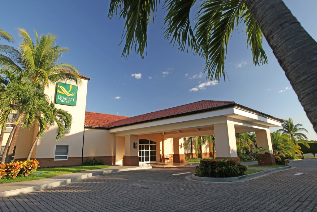 Quality Hotel Real Aeropuerto, San Luis Talpa